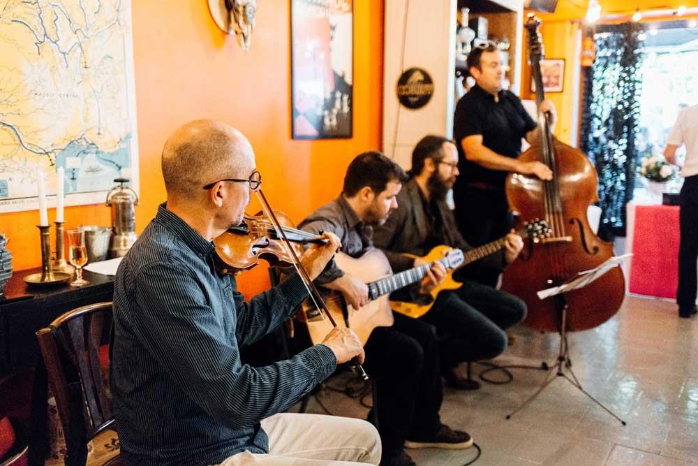 Le groupe Nantais de jazz manouche